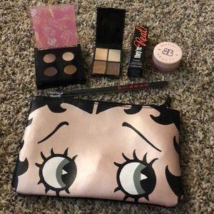 Betty Boop x Ipsy Glam Bag Set
